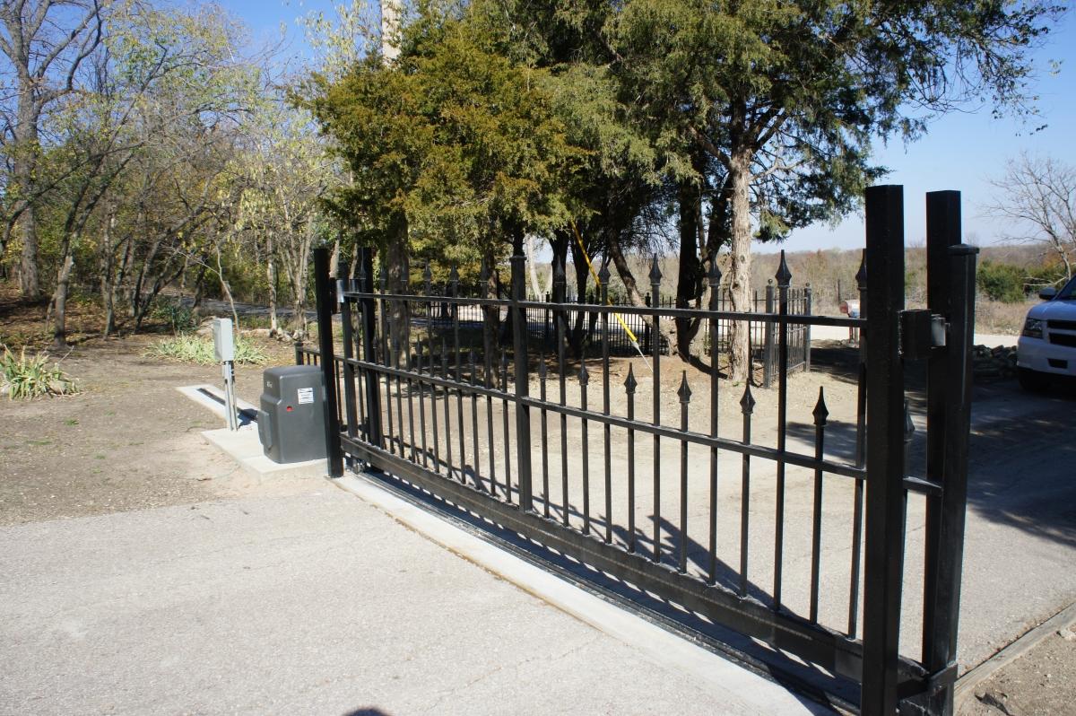 Sliding Gates Cheney Door Co Kansas Garage Doors Openers Entry