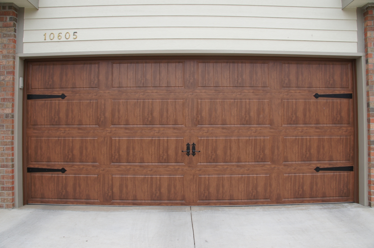 Residential Garage Doors   Cheney Door Co. Kansas, Garage Doors, Openers,  Entry Doors, Storm Doors, Patio Doors, Retractable Screens, Windows, Gates,  ...